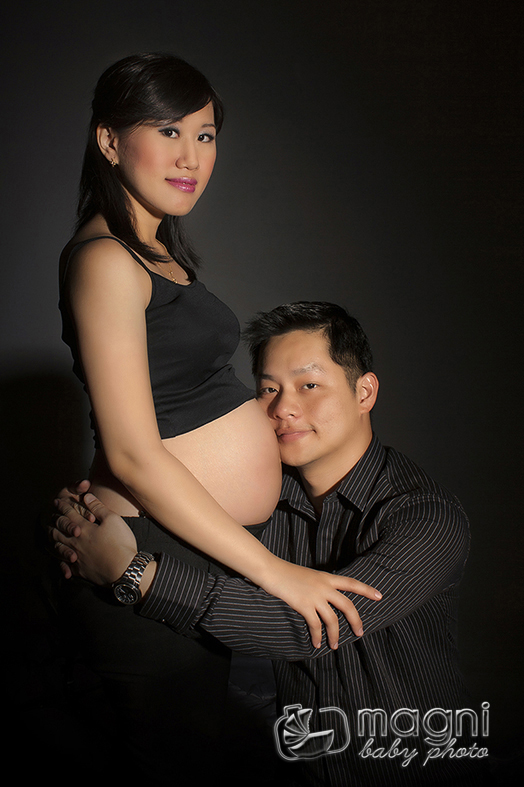 Baby Bump (Maternity Photo / Pregnancy Photo)