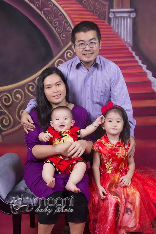 Family-photo-studio-foto-keluarga-ulang-tahun-jakarta-utara-kelapa-gading-sunter-012