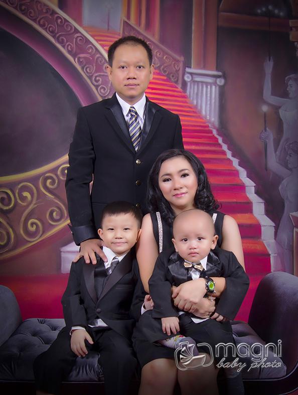 Family-photo-studio-foto-keluarga-ulang-tahun-jakarta-utara-kelapa-gading-sunter-017