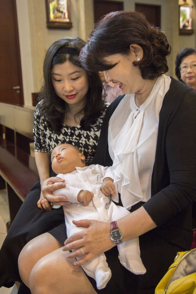 Sakramen-Pembaptisan-Baptis-Bayi-Gereja-Santo-Yakobus-Kelapa-Gading_0294