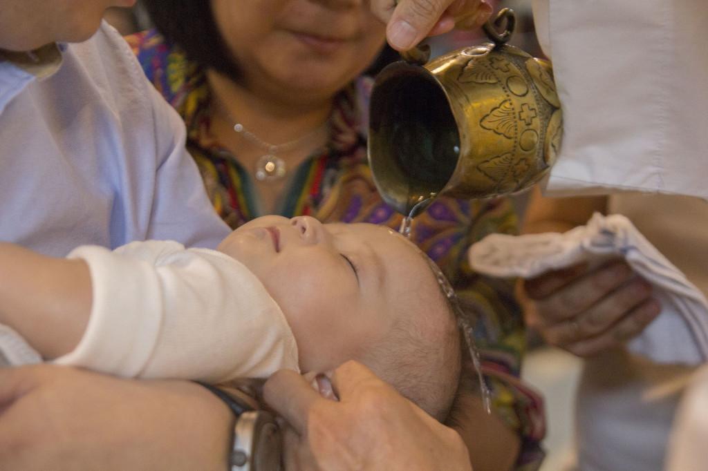 Sakramen-Pembaptisan-Baptis-Bayi-Gereja-Santo-Yakobus-Kelapa-Gading_0549